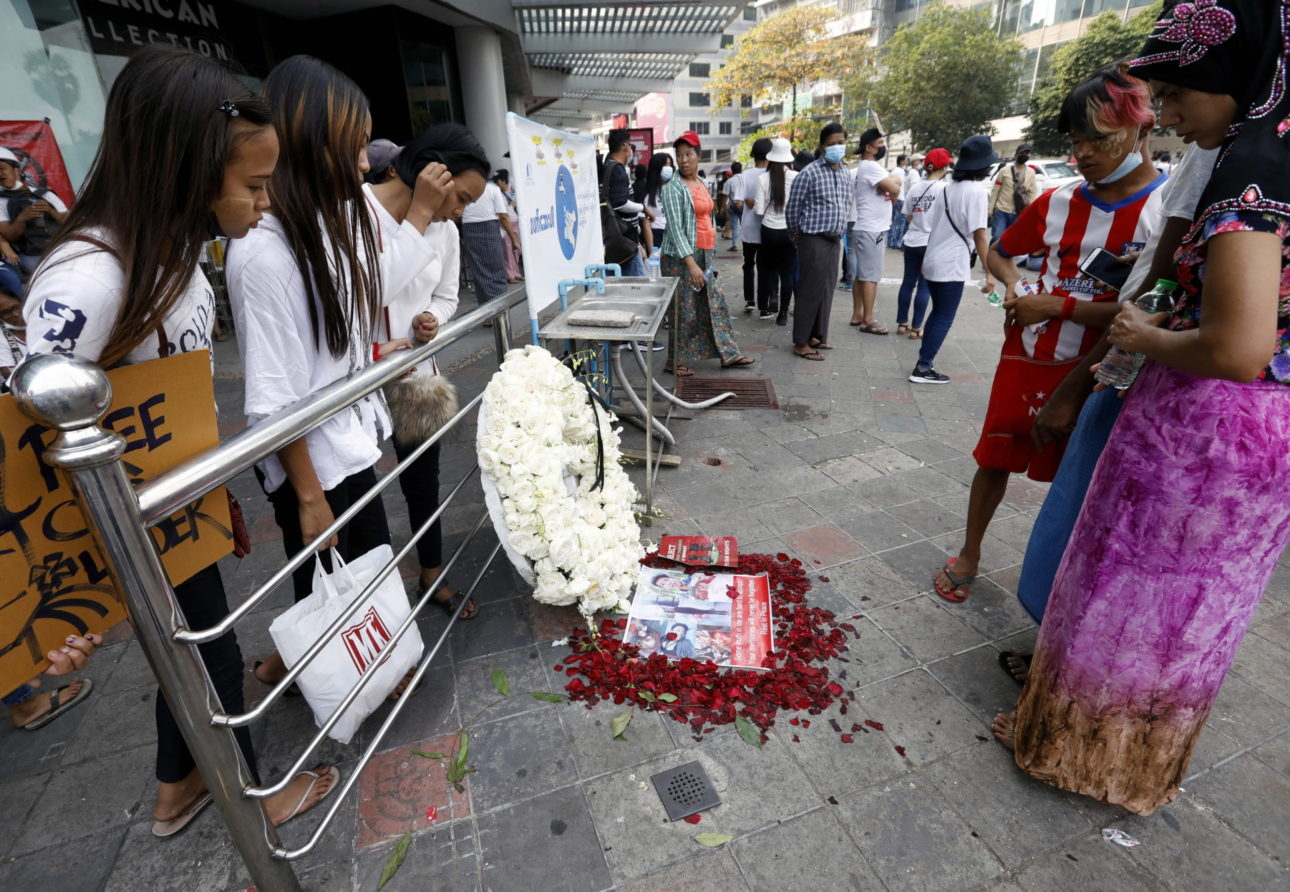 Tributo a Wai Yan Tun, manifestante ucciso negli scontri con la polizia a Mandalay, Myanmar